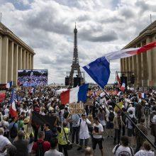 Prancūzijoje vėl vyks protestai prieš suvaržymus dėl COVID-19 pandemijos