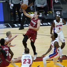"""""""Pistons"""" pergalės fone – dar viena D. Sirvydžio minutė ant parketo"""