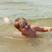 Atostogos patikrins, kaip vaikai išmoko plaukti