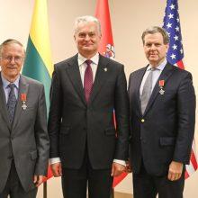 Prezidentas Niujorke įteikė apdovanojimus Lietuvai nusipelniusiems žmonėms