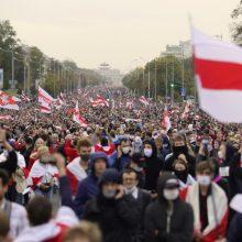 Konservatorė siūlo leisti skiepyti į Lietuvą nuo režimo pabėgusius baltarusius