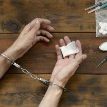 Seime – diskusijos dėl narkotikų: ekspertai pabrėžia gydymo paslaugas
