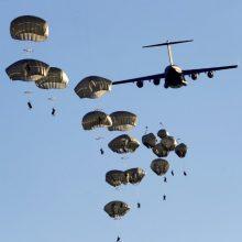 Per NATO pratybas Estijoje sužaloti keletas JAV desantininkų