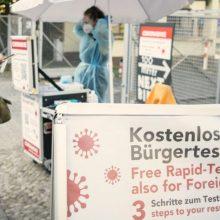 Nepaskiepytiems vokiečiams gali tekti susimokėti už COVID-19 tyrimus