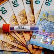 Seimas nusprendė: pensijų ir išmokų gavėjams rugpjūtį skirs po 200 eurų