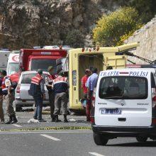 Antalijoje į avariją pateko turistų autobusas: žuvo moteris iš Rusijos