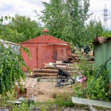 Vilniaus mieste neliks nelegalių metalinių garažų masyvų