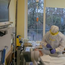 Verslas Vilniaus ligoninėms dovanoja COVID-19 gydymui skirtą įrangą