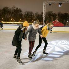 Puiki žinia: čiuožykla Lukiškių aikštėje veiks iki pat pavasario