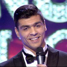 Vaikų namuose užaugęs romas baritonas: noriu žmonėms nešti šviesą