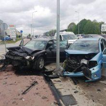 Avarija Aleksote: automobiliai užlėkė ant šaligatvio, yra sužalotų