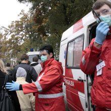 Po avarijos Vilniuje vienas automobilis nuvažiavo nuo kelio: medikų pagalbos prireikė dviem moterims