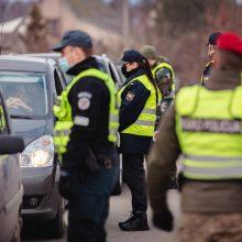 Šventiniuose blokpostuose darbo apstu: apgręžti 129 automobiliai, įkliuvo ir neblaivūs vairuotojai