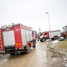 Savaitgalį ugniagesiai vyko gesinti 104 gaisrų