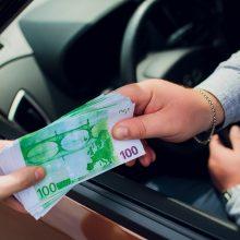 Šiauliuose sulaikytą neblaivų vairavusį latvį bandė išgelbėti draugas: siūlė kyšį