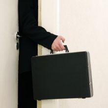 Vyriausybė leido atvykti per 40-čiai užsieniečių atlikti būtinus darbus
