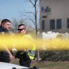 """Indianapolyje """"Fedex"""" objekte pašauta daug žmonių, užpuolikas nusižudė"""