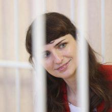Baltarusijoje kitą dieną po Tut.by blokavimo į laisvę paleista jo žurnalistė K. Barysevič