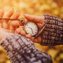 Vėl suksime laikrodžius: šį savaitgalį įvedamas žiemos laikas