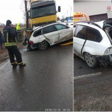 Panevėžyje susidūrus automobiliams sužalotas žmogus