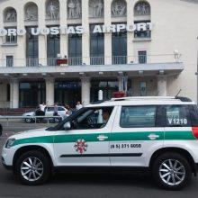 Vilniuje nusileido lėktuvas, pilnas nusižengusių lietuvių: juos lydėjo 70 Anglijos pareigūnų