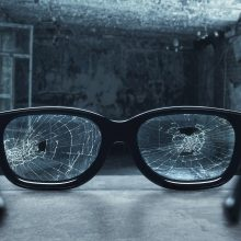Panevėžyje kilus konfliktui tarp vairuotojo ir pėsčiojo – smūgiai ir sulaužyti akiniai