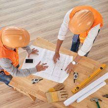 Tuščius pažadus dalijusio statybos bendrovių direktoriaus laukia teisiamųjų suolas