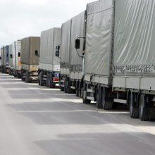 Judėjimas per Baltarusijos sieną per naktį sulėtėjo: eilėje – beveik 200 vilkikų