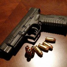 Pasvalio rajone ginkluotas vyras apiplėšė parduotuvę