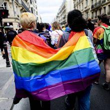 Paryžiuje keli tūkstančiai žmonių susirinko į LGBT eitynes