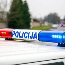 Veiksmas Trakų rajone: neblaivus vairuotojas pasišalino iš įvykio vietos, keleivė – iš ligoninės