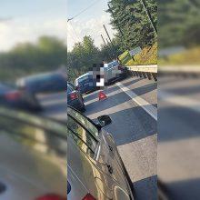Dėl masinės avarijos Petrašiūnuose vairuotojai strigo spūstyje
