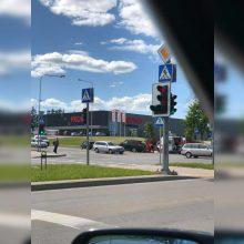 Alytuje BMW partrenkė paspirtuku važiavusį žmogų