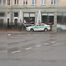 Policijos patruliams Herkaus Manto gatvė – lyg prakeikta: vėl pateko į avariją