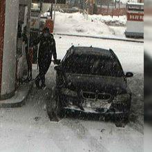 Vilniaus apskrities pareigūnai tiria įvykį degalinėje: gal atpažįstate žmogų nuotraukoje?
