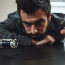 Apklausa: alkoholio vartojimas auga, daugėja jį vartojančių retkarčiais