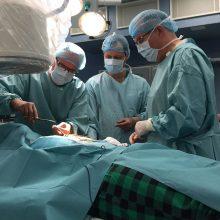 Kauno klinikų medikai paaugliui grąžino įprastą gyvenimą: ligą išdavė skausmas krūtinėje