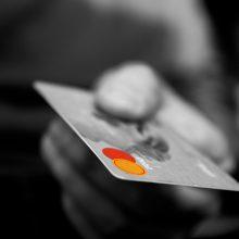 Bus teisiami visaginiečiai, kaltinami nužudymu ir naudojimusi svetima banko kortele