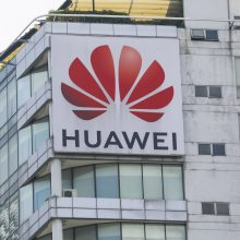 """""""Huawei"""" kaltinima JAV vykdžius kibernetines atakas ir grasinus darbuotojams"""