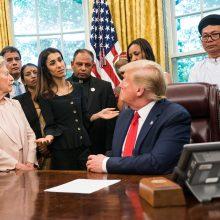 D. Trumpas pažėrė kritikos Nobelio taikos premijos laureatei