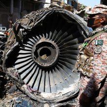"""Į Pakistaną padėti lėktuvo katastrofos tyrėjams atvyko """"Airbus"""" ekspertai"""