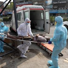 Indijoje per parą nustatytų užsikrėtimo virusu atvejų skaičius viršijo 7 tūkst.