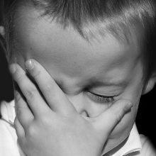 Akmenės rajone – įtarimai tėvams smurtavus prieš mažametį sūnų
