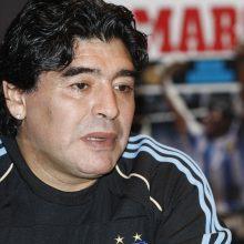 Futbolo grandas D. Maradona bus palaidotas šeimos kape prie Buenos Airių