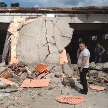 Rusijoje statomas prekybos centras užgriuvo statybininkus