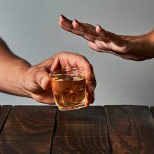 Kaune – apgirtusių vairuotojų bumas: vyrai moteris aplenkė tik po vidurnakčio