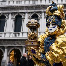 Italijoje nuo koronaviruso mirė trys žmonės, stabdomi Venecijos karnavalo renginiai