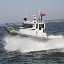 Kuršių mariose pasieniečiai skubėjo į pagalbą variklio avariją patyrusiam žvejui