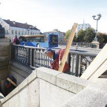 Pagaliau pavyko surasti rangovą: pradėjo remontuoti Biržos tiltą