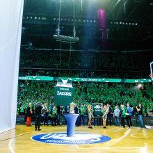 """""""Žalgirio"""" arenoje pagerbtas J. Kazlauskas: krepšinis labai pasikeitė"""